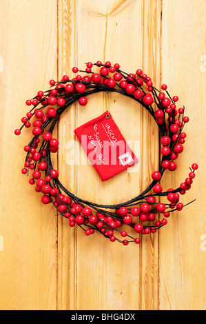 weihnachtskranz blume h ngen wei e t r stockfoto bild 62702563 alamy. Black Bedroom Furniture Sets. Home Design Ideas