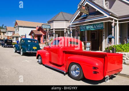 Oldtimer und die Innenstadt von Galerien, Cambria, Kalifornien - Stockfoto