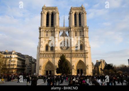 Winter-Blick auf Notre Dame de Paris (in englischer Sprache: unsere Liebe Frau von Paris), auch bekannt als Kathedrale - Stockfoto