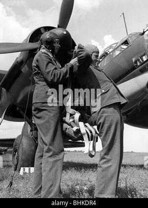 Ereignisse, Zweiter Weltkrieg/Zweiter Weltkrieg, Luftkrieg, Personen, Besatzungsmitglieder eines deutschen Mittelbombers - Stockfoto
