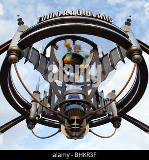 Eingang zum Tomorrowland WDW Orlando Florida - Stockfoto