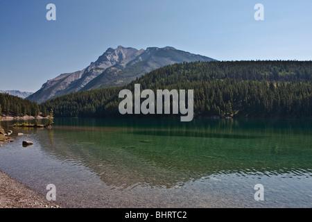 Zwei Jack Lake - Banff Nationalpark, Alberta - Kanada - Stockfoto