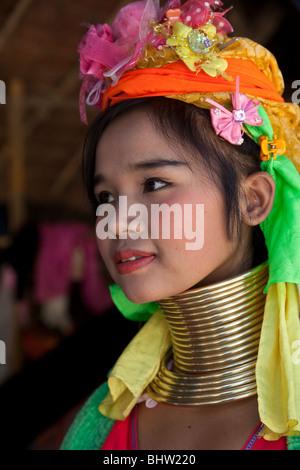 Lahu People Shi Balah Hill Tribe Thailand, Thai Hilltribe Karen Langhalsige Dorfbewohner tragen Messingringe, Thaton, Ecotourisim Village Chiang Mai, Asien