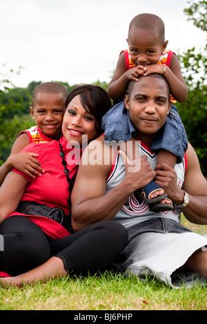 Glückliche Familie black genießen ihren freien Tag - Stockfoto