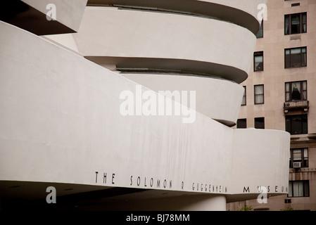 Äußere Guggenheim Museum in New York City - Stockfoto