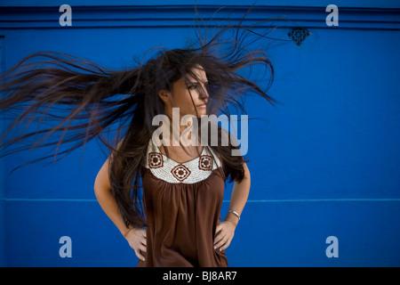 Haare wehen im wind