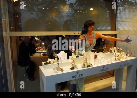 Schmuck shop schweiz  Uhren der Schweiz teurer Schmuck shop Brighton UK fotografieren ...