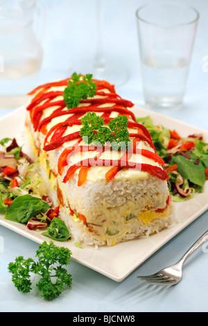 Reis Terrine mit Thunfisch und Paprika. Schritt für Schritt: PA 48 D3-PA 48 D6-PA 48 DC-PA 48 DR - Stockfoto