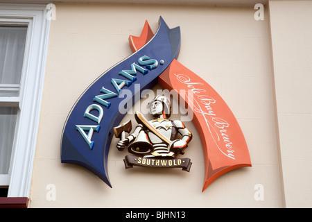 Das Zeichen für Adnams alleinige Bucht Brauerei, Southwold, Suffolk, UK - Stockfoto