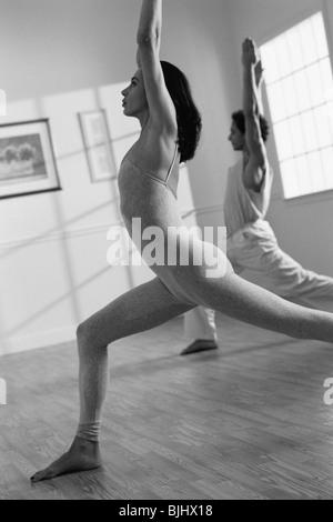 Yoga Klasse - Stockfoto