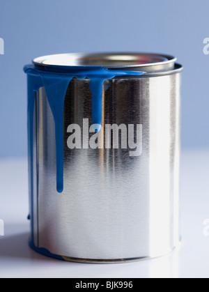 Detailansicht der tropfende Farbe können - Stockfoto