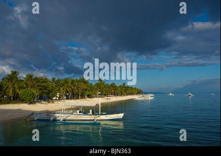Strand Malapascua Insel Cebu Philippinen Visayan Sea Sun sonnigen tropischen Urlaub Paradies Postkarte Ferien Urlaub - Stockfoto