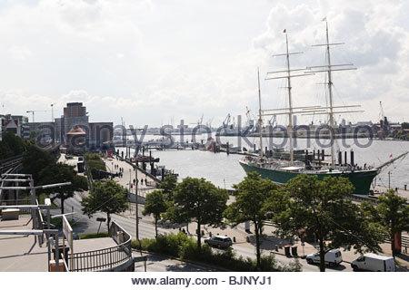 Das Schiff im Hamburger Hafen - Stockfoto