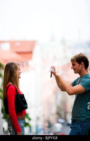 Touristen-paar fotografieren - Stockfoto
