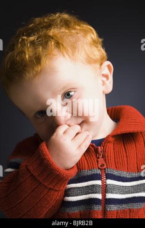 Kleiner Junge posiert - Stockfoto