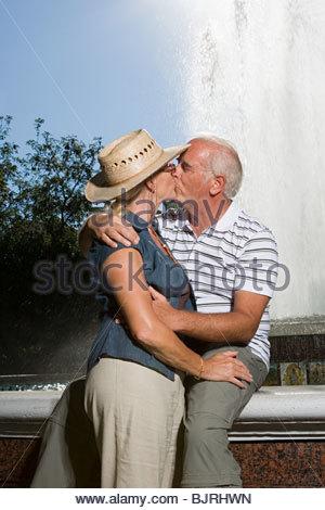 Paar, küssen - Stockfoto