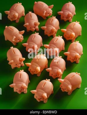 Herde von Spardosen - Stockfoto