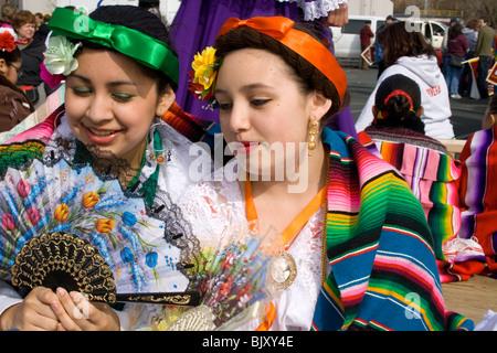 Aus einem hispanischen mädchen