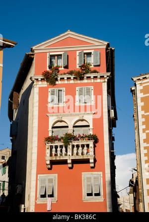 A, die bunten Gebäude in Rovinj, Istrien, Kroatien, Europa - Stockfoto
