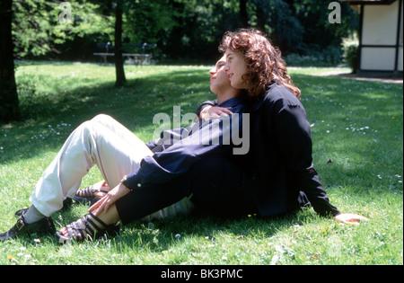 Übergewichtige Frau mit Flüchtling Mann schließen, Romantik - Stockfoto