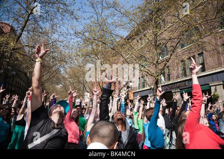 Flashmob Glee 10. April 2010 - Seattle Washington - Stockfoto