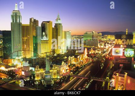 Abenddämmerung erhöhten Blick Kasinos auf dem Strip Las Vegas Nevada - Stockfoto
