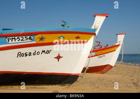 Angelboote/Fischerboote in Armacao de Pera, Algarve, Portugal, Europa - Stockfoto