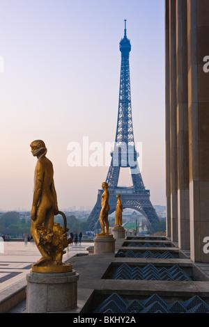 Sonnenaufgang am Palais du Chaillot, Trocadero, Paris - Stockfoto