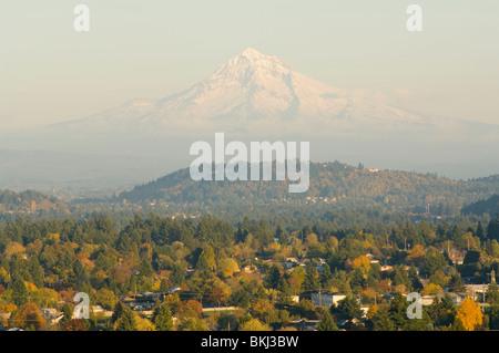 Portland, Oregon, Vereinigte Staaten von Amerika; Ansicht des Mount Hood vom Berg Tabor - Stockfoto