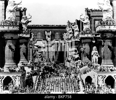 INTOLERANZ: DER LIEBE KAMPF IM LAUFE DER JAHRHUNDERTE (1916) DIE MUTTER UND DAS GESETZ (ALT) D W GRIFFITH (DIR) - Stockfoto