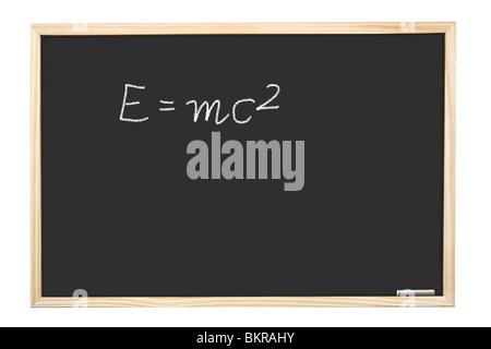 Berühmten Albert Einsteins Gleichung E = mc2 handschriftlich auf Tafel Stockfoto