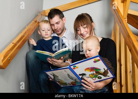 Familie Lesebücher - Stockfoto
