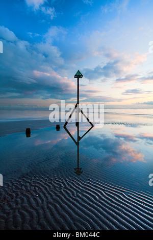 Sonnenuntergang an der West Wittering Strand, West Sussex, Großbritannien - Stockfoto