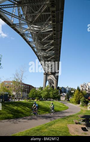Die Aurora-Brücke verbindet Seattle Queen Anne und Fremont Nachbarschaften. - Stockfoto