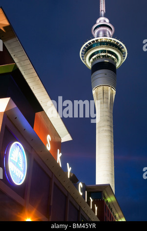 Das Sky City Casino-komplex und Sky Tower oben. Auckland, Nordinsel, Neuseeland - Stockfoto