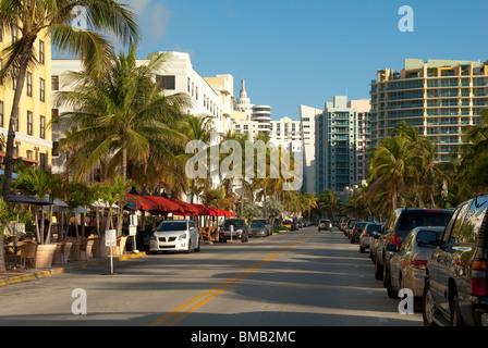 Hotels und Ferienwohnungen am Ocean Drive im Art-Deco-Viertel von South Beach, Miami Beach, Florida, USA - Stockfoto