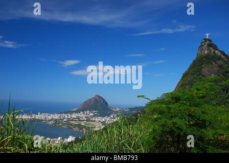 Corcovado, die Christusstatue mit Blick auf Rio De Janeiro Brasilien - Stockfoto