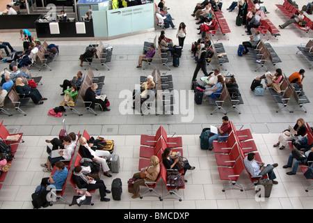 Abflughalle - Terminal 5 – Flughafen Heathrow - London - Stockfoto
