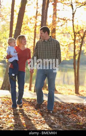 Einen Familienausflug im Herbst - Stockfoto