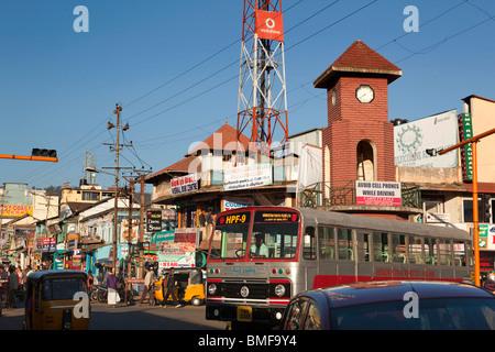 Indien, Tamil Nadu, Udhagamandalam (Ooty) Tempel unteren Basar Straße Uhrturm - Stockfoto