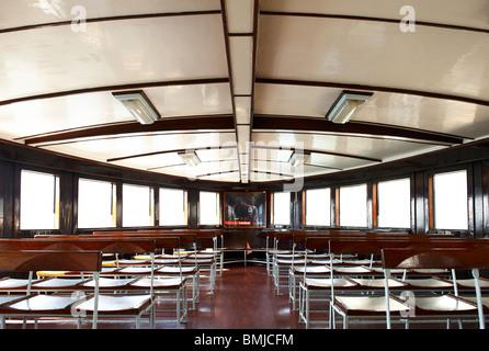 orientalisches wohnzimmer in dem historischen beit ed dine beiteddine palast des emirs bashir. Black Bedroom Furniture Sets. Home Design Ideas
