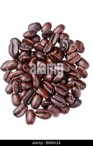 Kaffeebohnen isoliert auf weißem Hintergrund Stockfoto