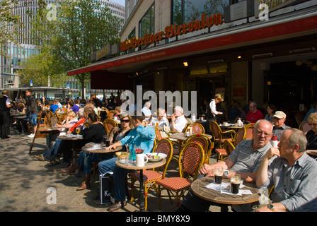 Restaurant und Bar Terrasse Kürfurstendamm Charlottenburg West Berlin Deutschland Europa - Stockfoto