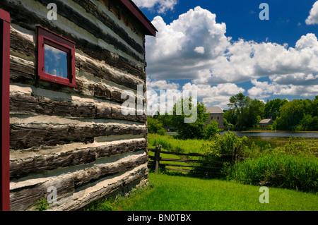Lang Grist Mill Pond im Pioneer Village auf dem Indian River Ontario von Milburn Haus - Stockfoto