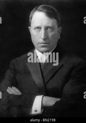 Portrait-Foto um 1910 der amerikanischen Zeitung Magnaten und führende Verleger William Randolph Hearst (1863-1951). - Stockfoto