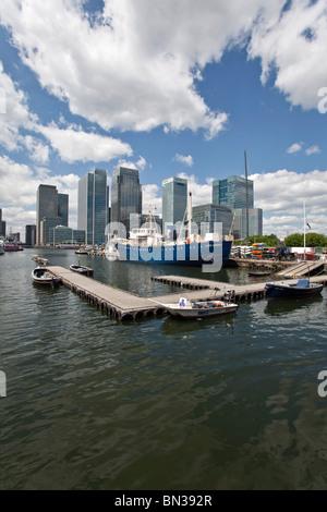 Canary Wharf, das neue Finanzzentrum in der Londoner Docklands, mit Sitz der verschiedenen Investment-Banken - Stockfoto