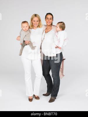 Werdende Mütter mit Babys - Stockfoto