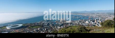 Panoramablick auf Table Bay und Stadion Kapstadt Südafrika - Stockfoto