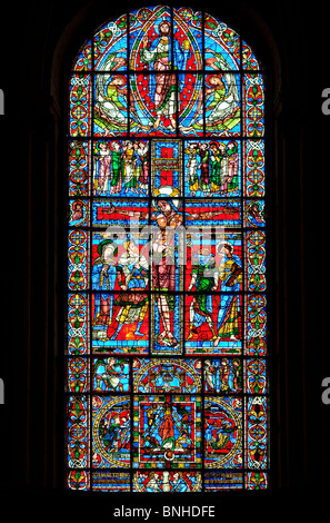 Europa, Frankreich, Vienne (86), Poitiers, Kathedrale Saint-Pierre, Glasmalerei der Kreuzigung - Stockfoto