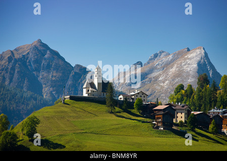 Reisen Italien Alpen Venetien Dolomiten Cadore Hill Holz Wald Wiesen Reisen, - Stockfoto